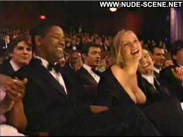 Uma Thurman The      Academy Awards  Hd Doll Posing Hot Nude Scene