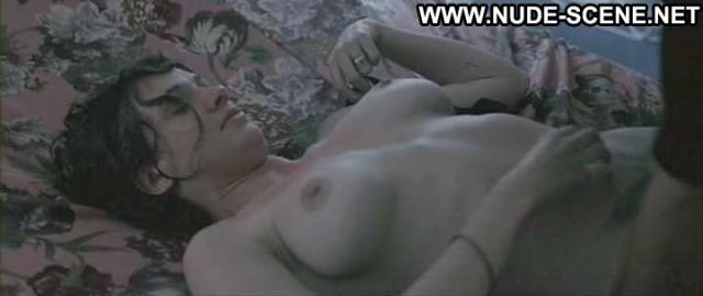 Asia Argento Boarding Gate Bra Celebrity Nice Breasts Big Tits