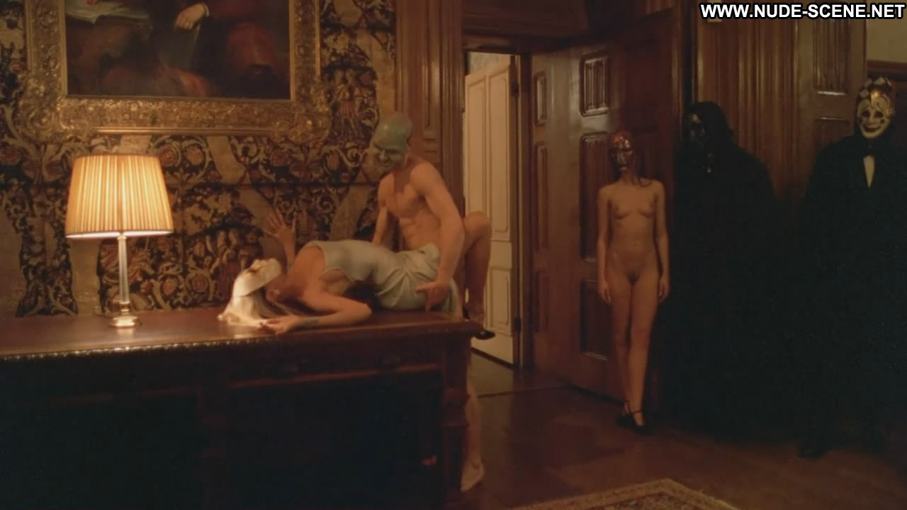 Nude scenes from eyes wide shut