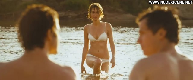 Pauline Lefevre Voir La Mer Wet Panties Bra River Couple Doll Posing