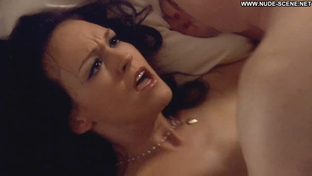 Carla Gallo Californication Sex Topless Celebrity Big Tits Breasts Bed