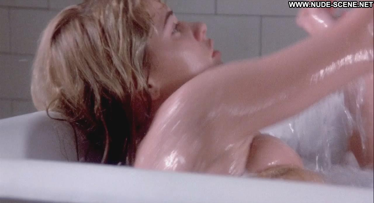 a girl from american pie beta house naked