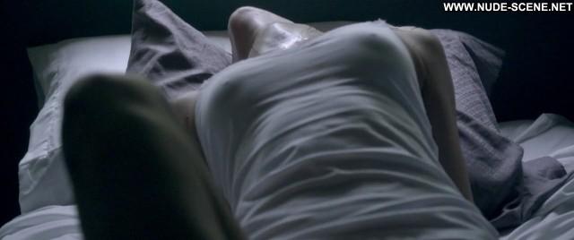 Alex Essoe Starry Eyes Celebrity Bed Nude Posing Hot