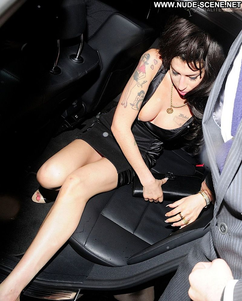 Amy Winehouse Upskirt Showing Tits Showing Pussy Celebrity Photos and ...