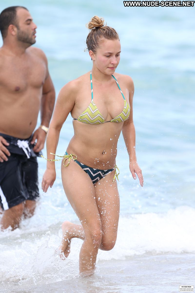 hayden panettiere at a nude beach