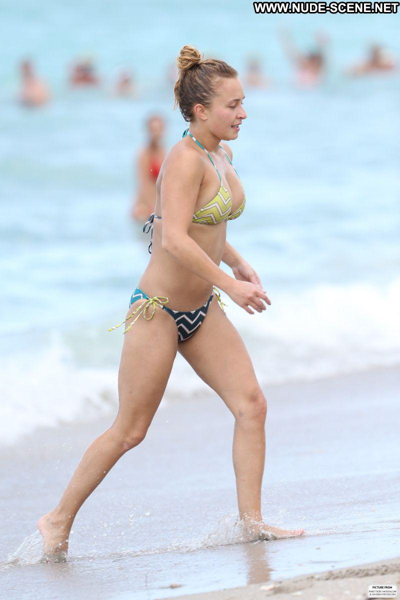 Hayden Panettiere nude beach