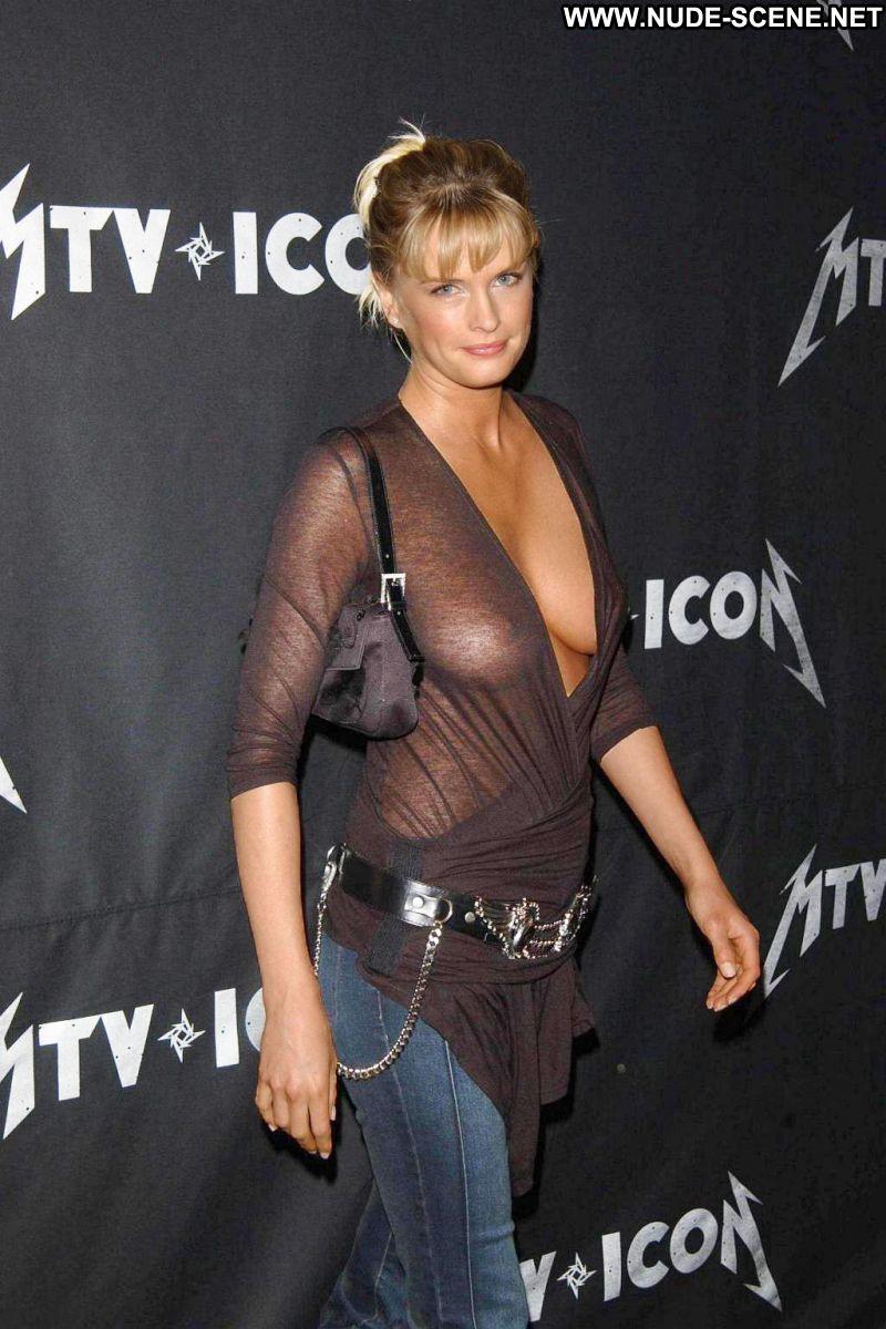 Nude Kylie bax