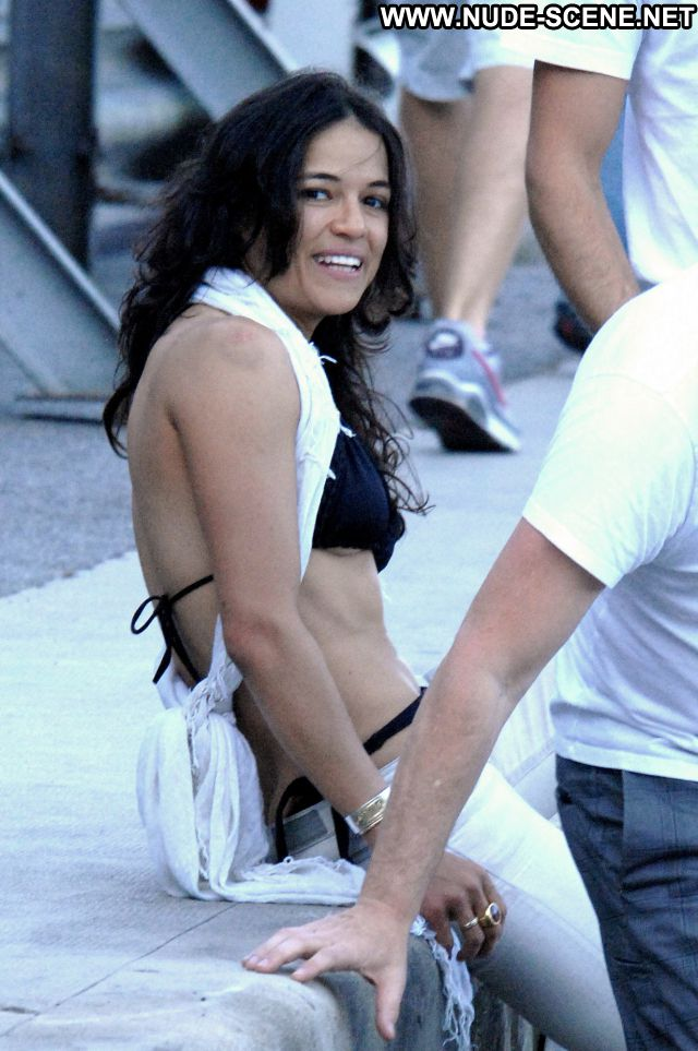 Michelle Rodriguez No Source Latina Posing Hot Celebrity Ass Nude