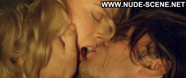 Nicole Kidman Blonde Posing Hot Horny Showing Tits Famous