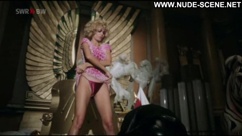 Heidi Klum Nude Scene 64