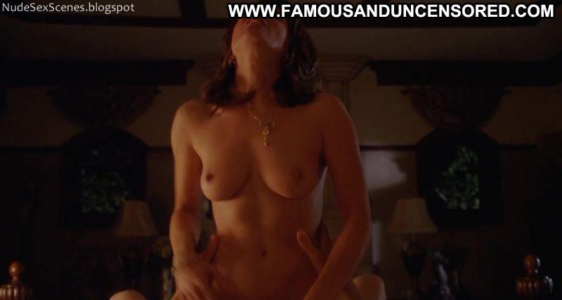 alanna-ubach-sexy-body