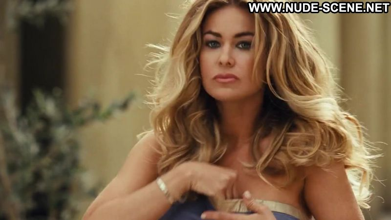 carmen electra naked in meet the spartans
