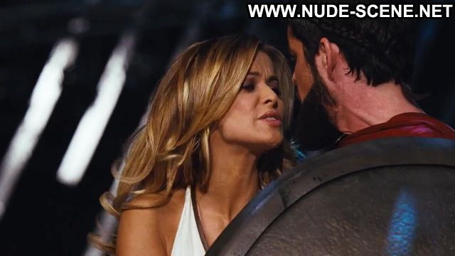 Carmen Electra Nude Sexy Scene Meet The Spartans Dancing Hot
