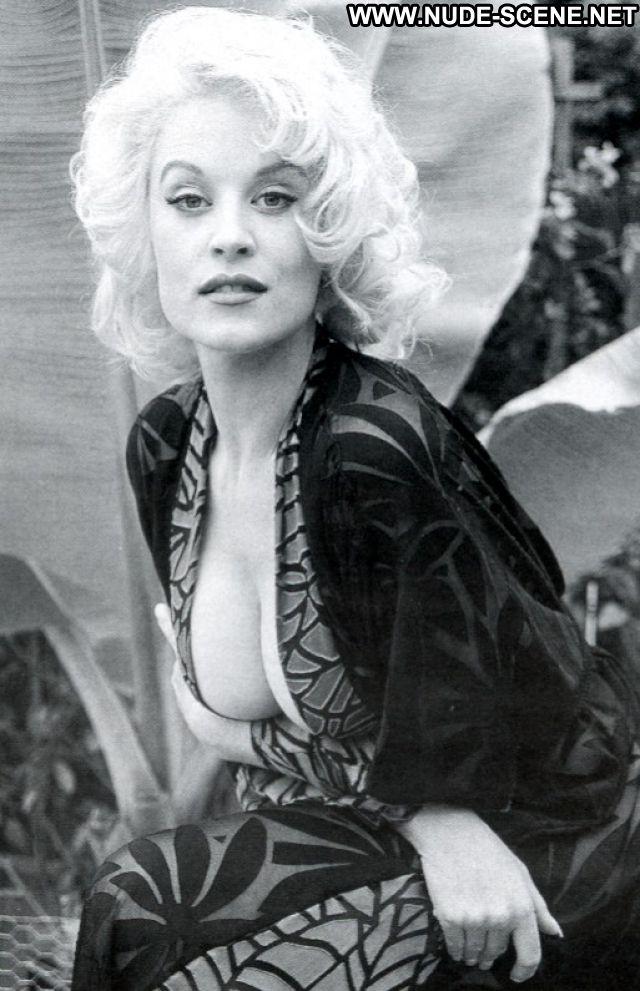 Delia Sheppard No Source Big Ass Cute Nude Celebrity Milf Hot Posing