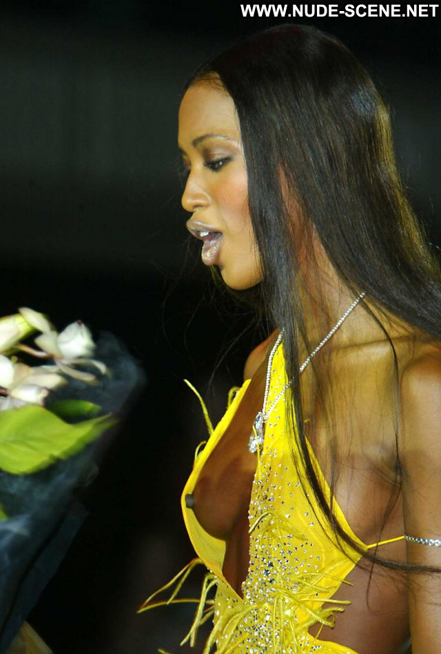 Naomi Campbell No Source Showing Ass Babe Celebrity Nude Scene Posing