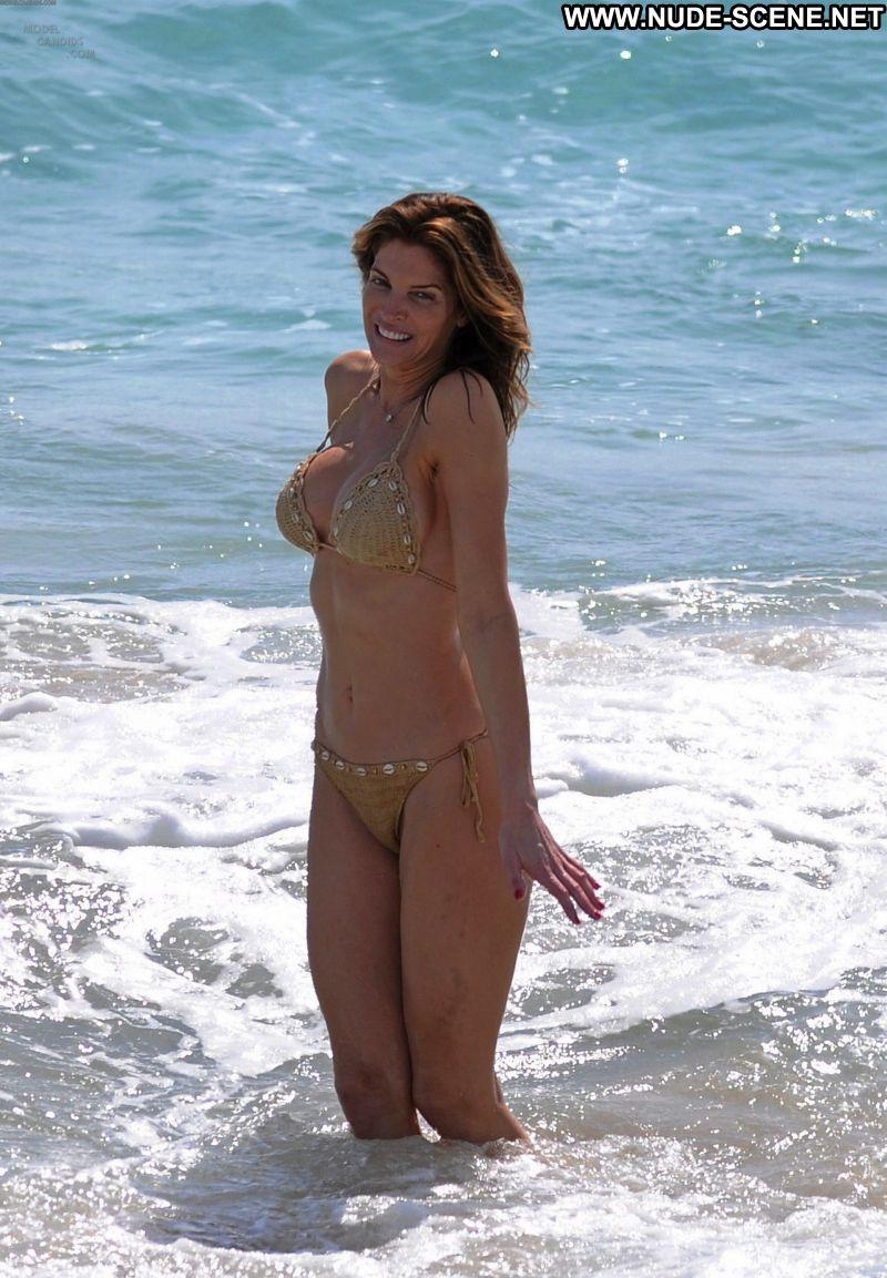 Stephanie seymour in bikini kissing with not her son hotmoza - 1 9