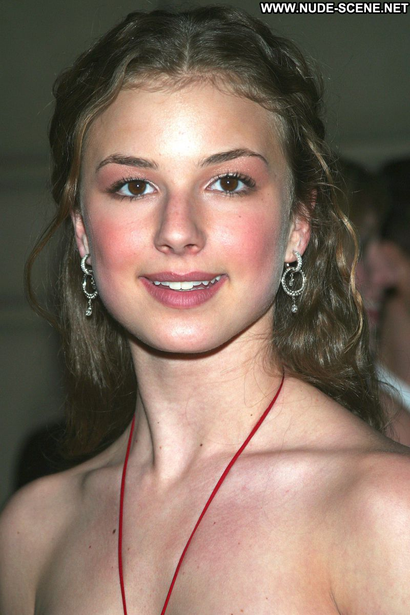 Emily Vancamp No Source Celebrity Posing Hot Babe Blonde -8690