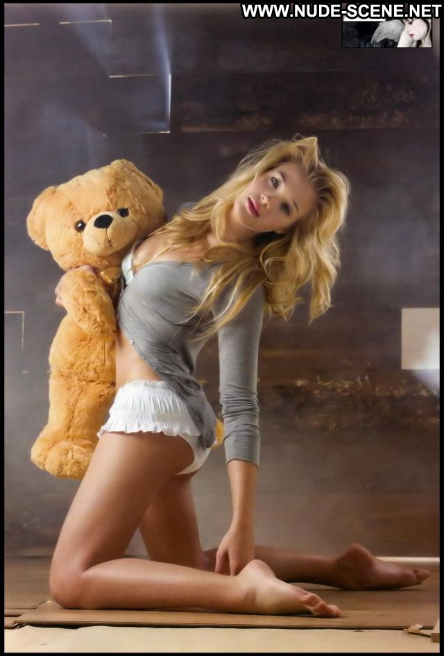Patricia Montero No Source Nude Scene Posing Hot Latina Babe