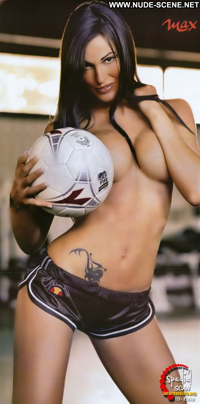 Federica Ridolfi No Source  Posing Hot Hot Nude Brunette Celebrity