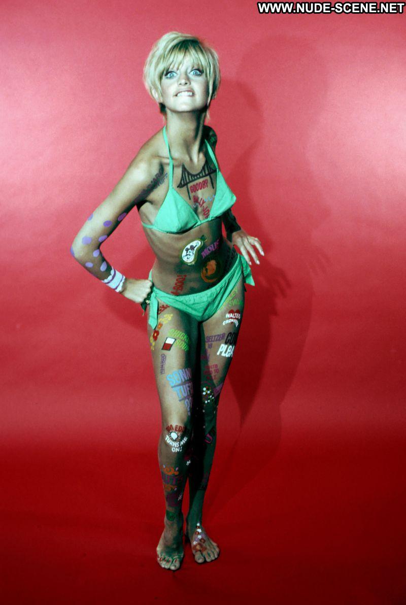 Goldie Hawn No Source Celebrity Posing Hot Babe Blonde
