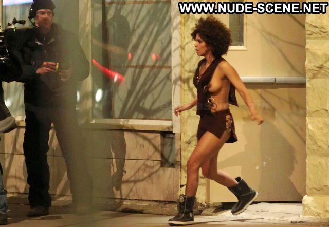 Halle Berry No Source Ebony Posing Hot Hot Babe Celebrity Nude Cute