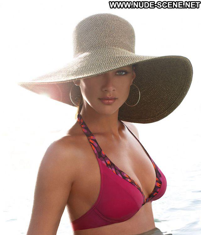 Lorraine Van Wyk  nackt