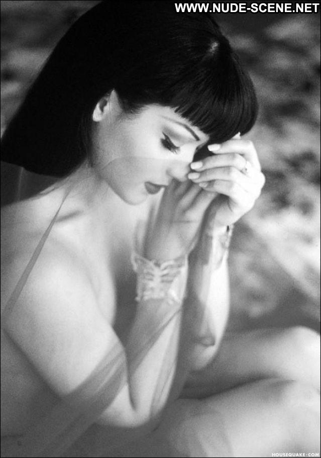 Mayte Jannell Garcia No Source Hot Posing Hot Brunette Celebrity