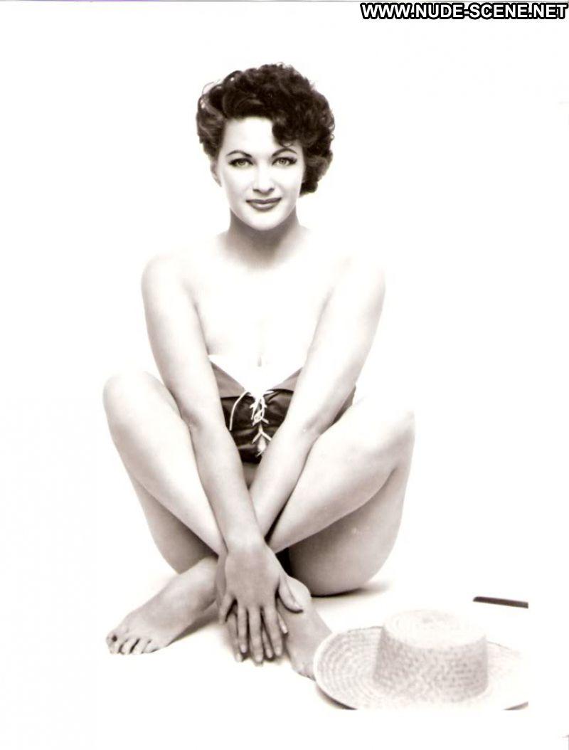 Yvonne de carlo nude pics