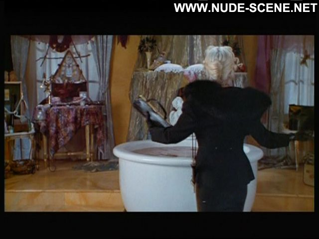 Madonna Nude Sexy Scene 4 Rooms Latex Leather Singer Blonde