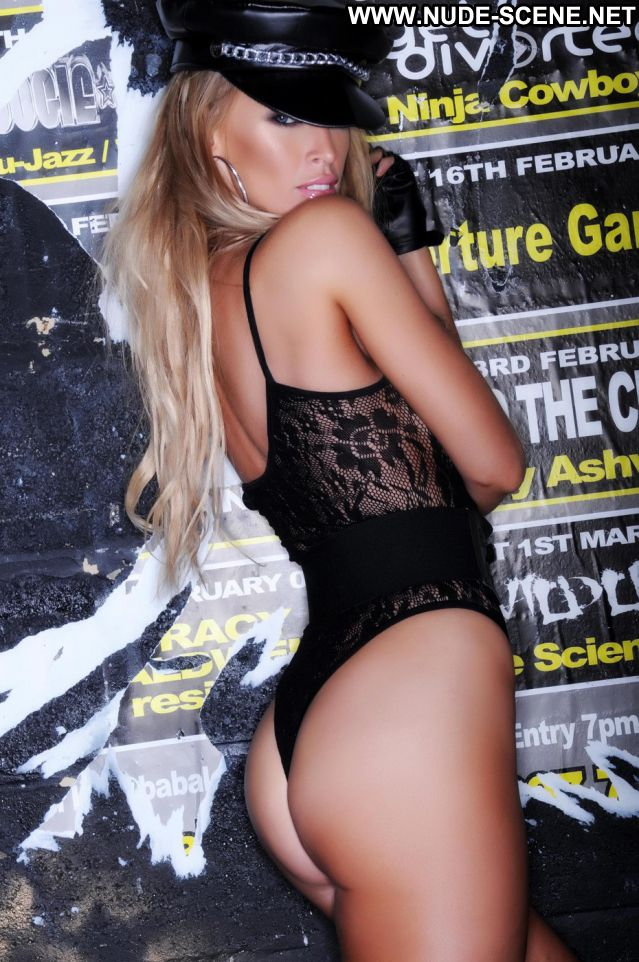 Lauren Pope No Source Celebrity Nude Posing Hot Babe Cute Big Tits