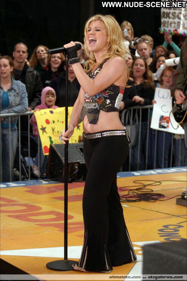 Kelly Clarkson No Source Posing Hot Singer Nude Scene Hot Cute Blonde