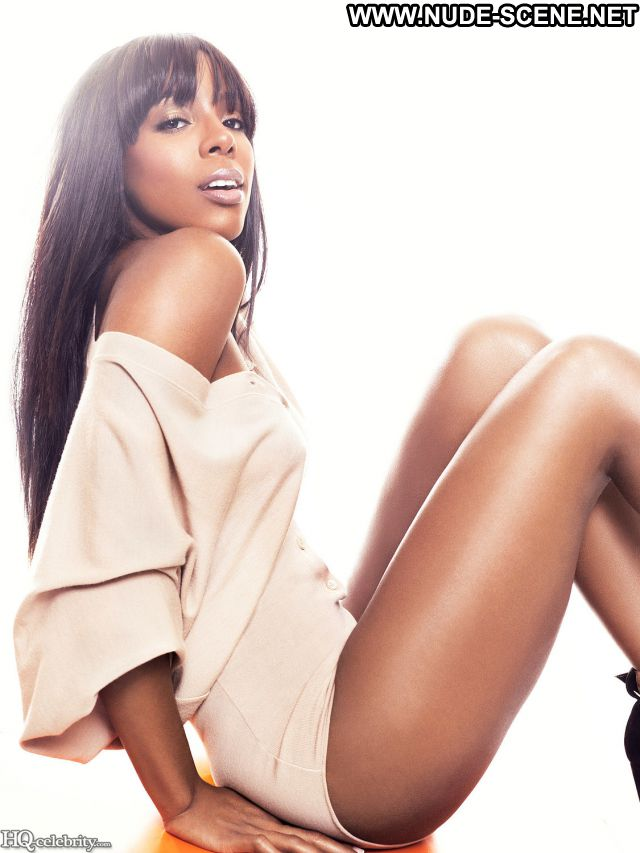 Kelly Rowland Nude Sexy Scene Showing Tits Beautiful Famous