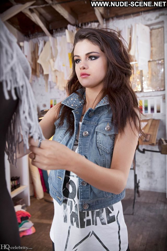 Selena Gomez No Source Nude Hot Posing Hot Celebrity Celebrity Babe