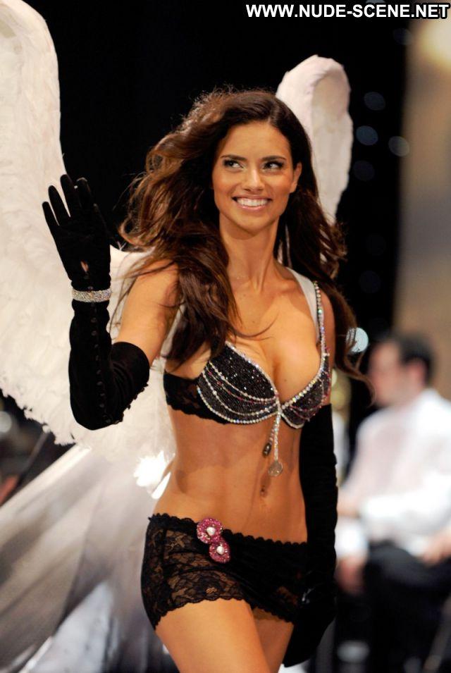 Adriana Lima No Source Celebrity Posing Hot Celebrity Lingerie Nude