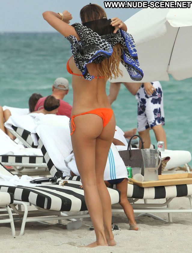 Aida Yespica No Source Nude Beach Celebrity Ass Posing Hot Nude Scene