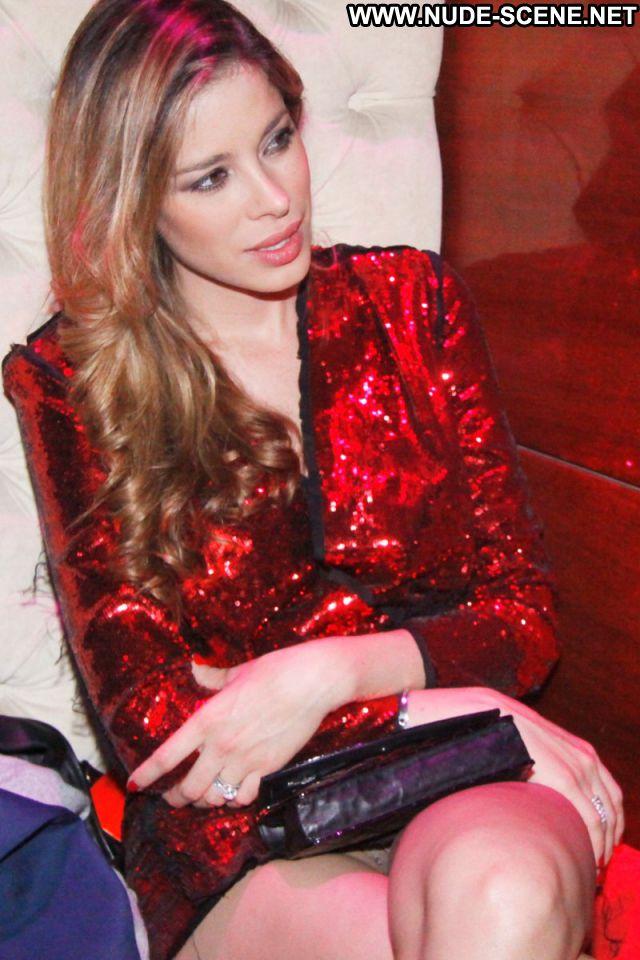 Aida Yespica Venezuelan Upskirt Sexy Dress Latina Celebrity