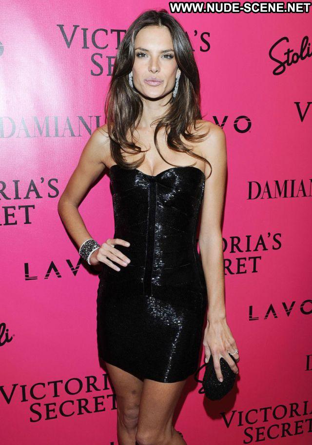 Alessandra Ambrosio No Source Latina Nude Scene Sexy Dress Sexy