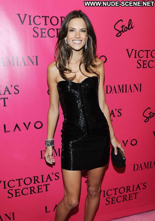 Alessandra Ambrosio Latina Celebrity Sexy Brazil Nude Celebrity Sexy