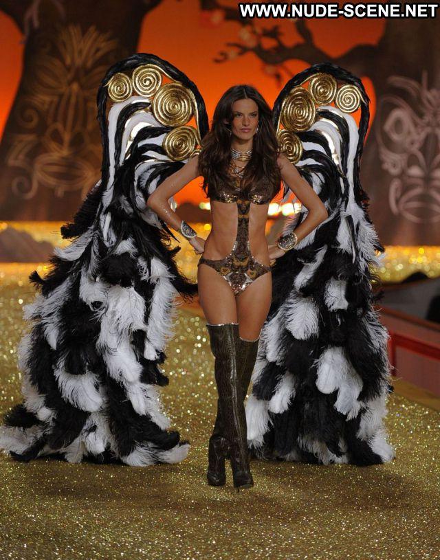 Alessandra Ambrosio Nude Sexy Scene Brazilian Latina Actress