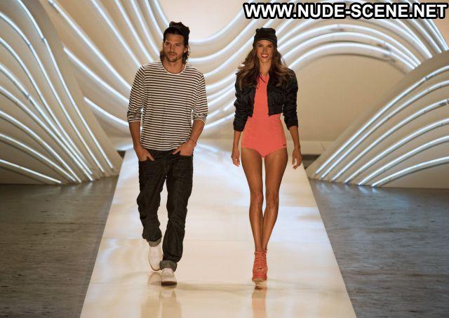 Alessandra Ambrosio Celebrity Celebrity Nude Sexy Dress Latina Nude