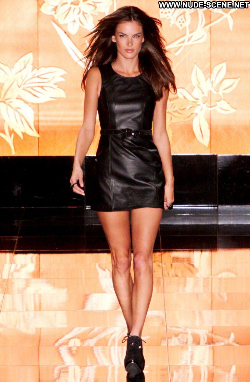 Alessandra Ambrosio No Source Celebrity Posing Hot Latina