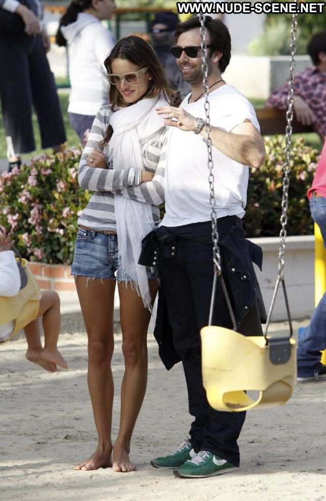 Alessandra Ambrosio No Source Posing Hot Celebrity Nude Scene Latina
