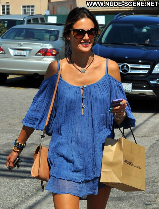 Alessandra Ambrosio No Source Latina Celebrity Posing Hot Celebrity