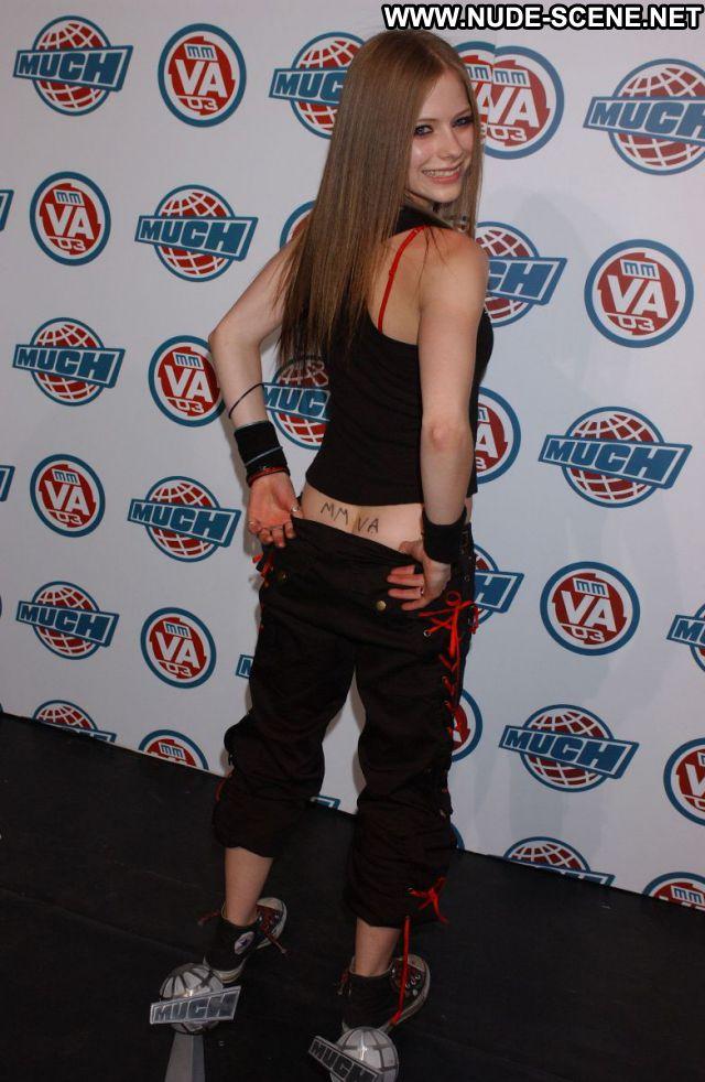 Avril Lavigne Small Tits Tits Singer Celebrity Nude Scene Nude Posing