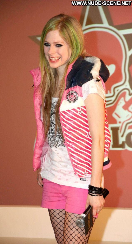 Avril Lavigne Small Tits Small Tits Singer Blonde Nude Scene