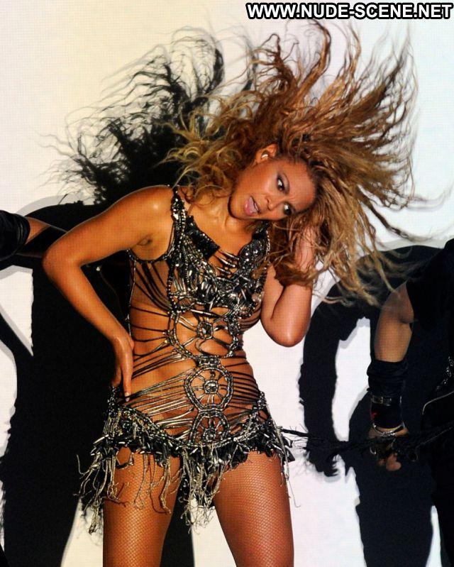 Beyonce Nude Sexy Scene Singer Ebony Nude Scene Showing Tits