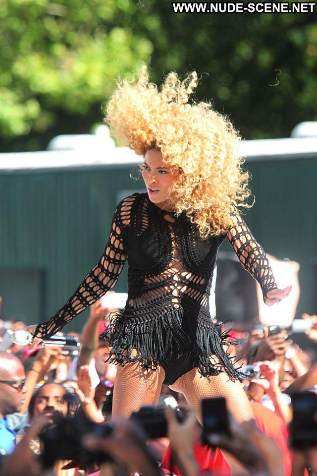 Beyonce No Source Celebrity Hot Nude Scene Singer Babe Posing Hot