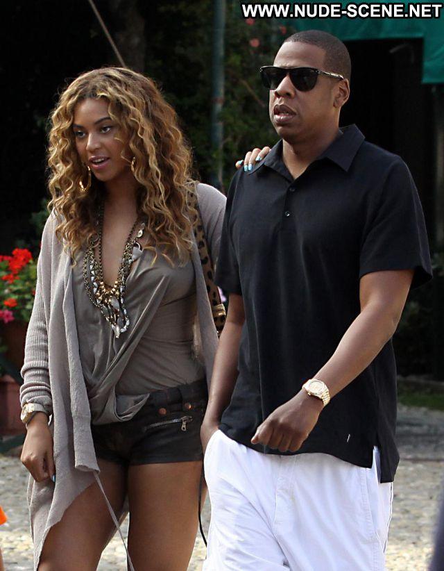 Beyonce No Source Posing Hot Nude Singer Hot Ebony Celebrity Babe
