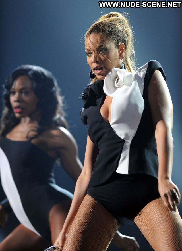 Beyonce Singer Posing Hot Showing Tits Nude Scene Beautiful