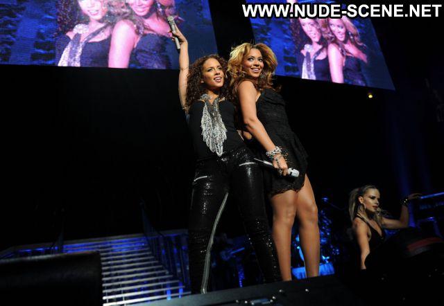 Beyonce No Source Posing Hot Celebrity Nude Scene Nude Ebony Singer
